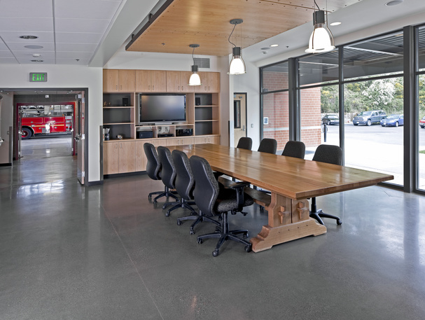 digital EDGE media + Fire Station Meeting Rooms