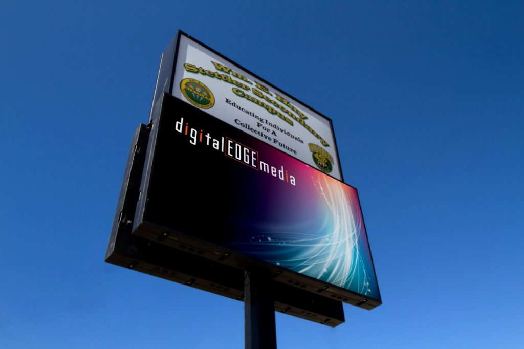 digital EDGE media + Restaurant Outdoor LED Display